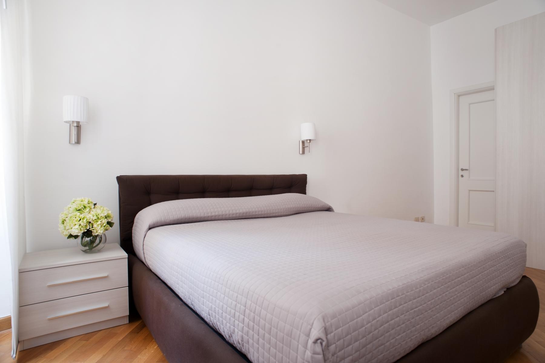Room2_8893-1.L