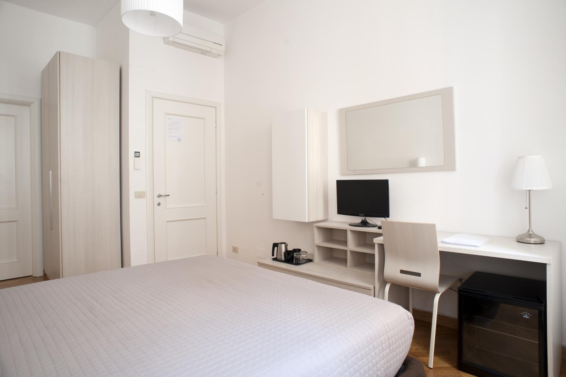 Room2_8895.L