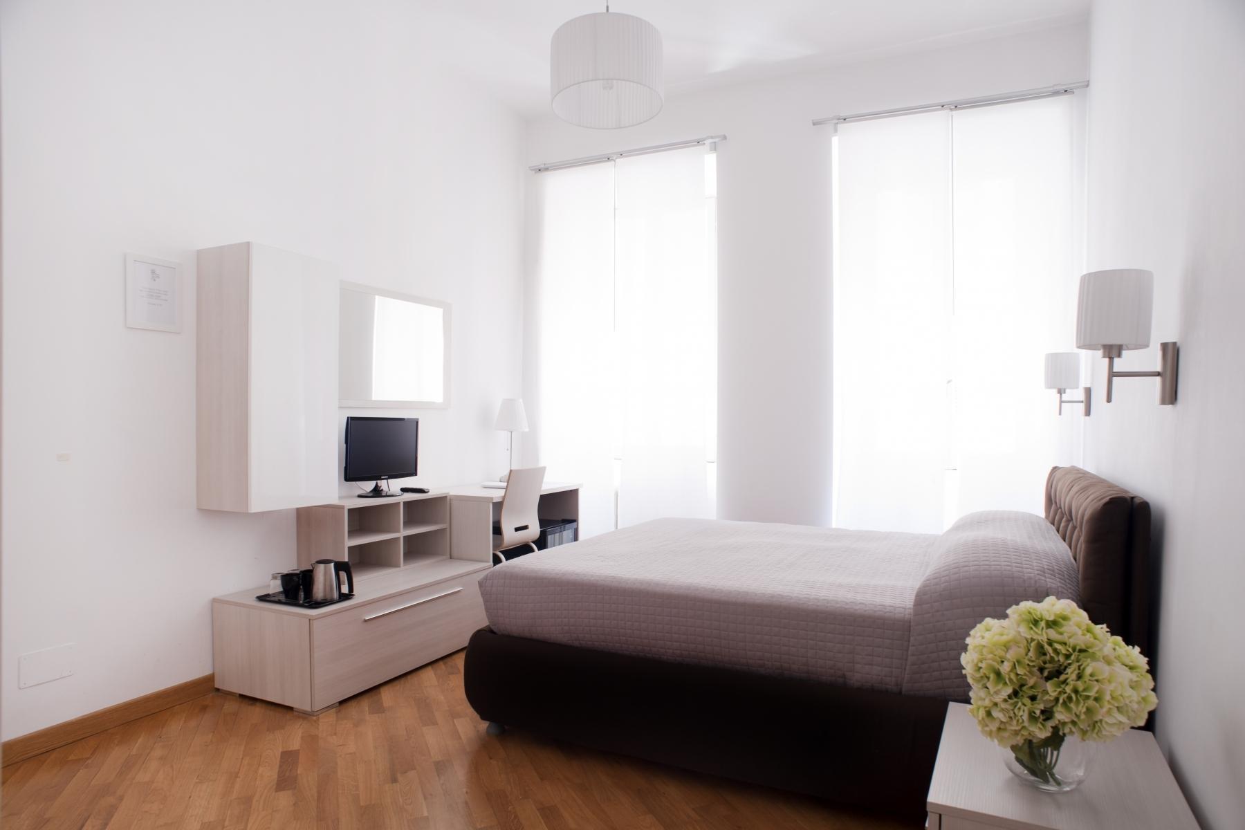 Room2_8899.L